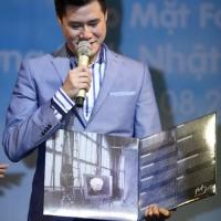 Quang Dũng ra mắt đĩa than nhạc Phạm Duy - Ảnh: Độc Lập