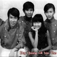 Duy Quang (trái) cùng các thành viên trong ban nhạc The Startling năm 1965.