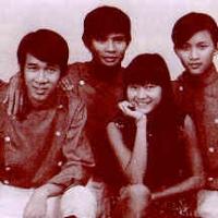 Duy Quang (bên trái) trước khi có ban The Dreamers