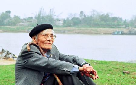 Hoàng Cầm bên bờ sông Đuống